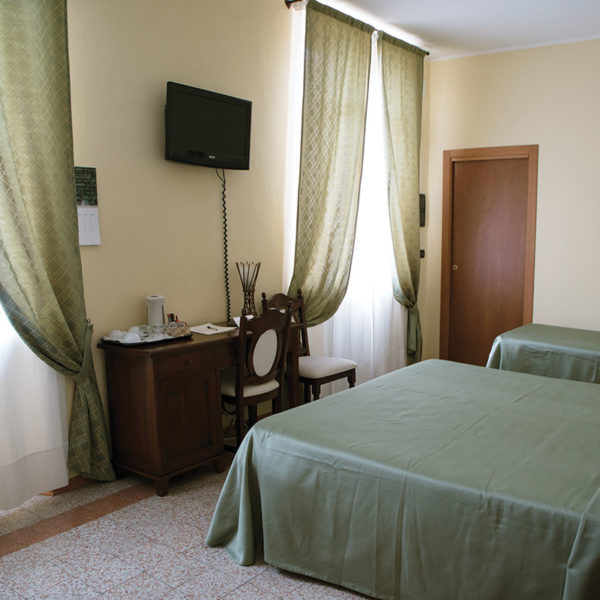 hotel-camera2
