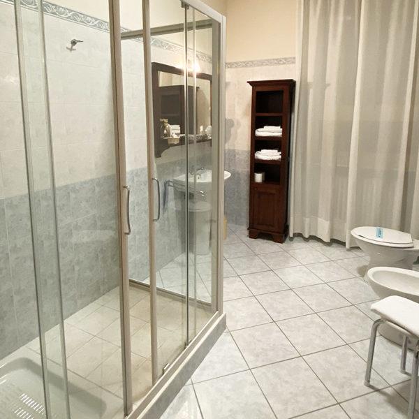 hotel-SuiteJunior-bagno